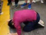 Tin tức trong ngày - Dân Hong Kong sụp lạy sinh viên biểu tình