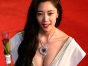 """Phim - Mỹ nhân ngang nhiên """"mát mẻ"""" bất chấp lệnh cấm hở ở LHP Busan"""
