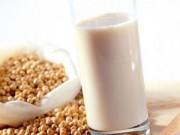 Sức khỏe đời sống - Sữa đậu nành tốt cho phụ nữ mãn kinh