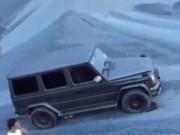 Ô tô - Xe máy - Cường 'đô-la' trổ tài vượt địa hình với xe Mercedes hầm hố