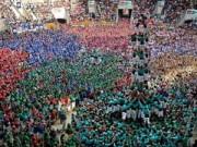 Du lịch - Choáng ngợp lễ hội dựng tháp người ở Tây Ban Nha