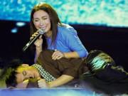 Ngôi sao điện ảnh - Phi Nhung khóc cạn nước mắt trong liveshow