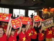 Bóng đá - Fan Việt vỡ òa sau trận đấu cống hiến của U19 VN