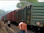 Video An ninh - Tàu hỏa nghiến nát 7km đường ray, thiệt hại nhiều tỷ đồng