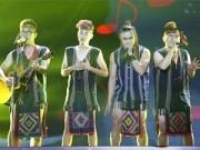 Ca nhạc - MTV - Dùng khăn Piêu làm khố, thí sinh X-Factor bị chỉ trích