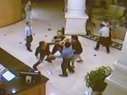 Tin tức trong ngày - Video: Hỗn chiến trong khách sạn 4 sao