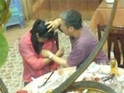 Bạn trẻ - Cuộc sống - TQ: Nữ sinh bị giáo sư sàm sỡ ngay tại quán ăn