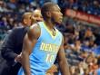 """NBA: Cú ăn 3 điểm siêu dị của """"người vô hình"""""""