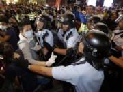 Tin tức trong ngày - Sinh viên Hong Kong chiếm lại trung tâm từ tay cảnh sát