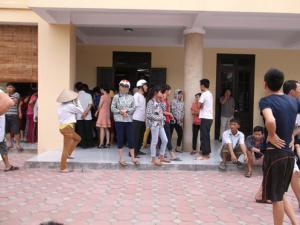 Hà Nội: Bé 11 tuổi tử vong, người nhà vây kín bệnh viện