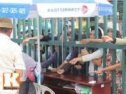 Bóng đá - Cầu thủ U19 đá giải U21: Phe vé chen chúc, fan thẫn thờ