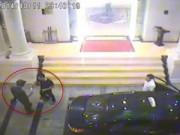 Tin tức trong ngày - Triệu tập người rút thẻ trong video hỗn chiến ở khách sạn