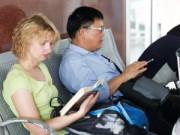 Tin tức trong ngày - Khác biệt lối sống  Á - Âu ở sân bay Nội Bài