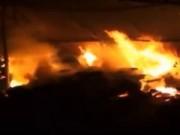 Video An ninh - Cháy lớn kho phế liệu, 10 nhà dân di tản ngay trong đêm