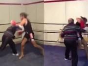 Thể thao - Kinh ngạc: Cụ ông hạ gục võ sĩ boxing sau 16 giây