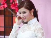 Hạnh Sino đẹp dịu dàng trong tiết thu Hà Nội