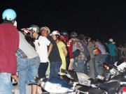 An ninh Xã hội - Nửa đêm, người dân đứng kín cầu Sài Gòn xem bắt cướp