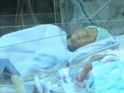Video An ninh - Bé trai văng ra khỏi bụng mẹ đã qua cơn nguy kịch