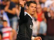 Video bóng đá hot - CĐV ôm Ronaldo trên sân, HLV tung hô CR7 phi thường