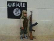 Thế giới - IS huấn luyện chiến đấu cho cả bé trai 5 tuổi