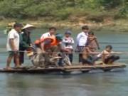 """Video An ninh - Quảng Ngãi: Cấm dân """"đu dây"""" qua sông suối"""