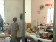Video An ninh - Bình Dương: Hai mẹ con thiếu nữ bị tạt axit trong đêm