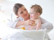 Sức khỏe đời sống - Tắm cho trẻ sơ sinh trong mùa đông: Lưu ý cần nhớ