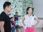 Phim - Vợ Minh Tiệp giúp chồng huấn luyện thí sinh Hoa hậu