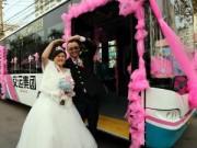 Phi thường - kỳ quặc - Độc đáo tài xế đón dâu bằng xe buýt 18 mét