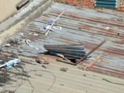 An ninh Xã hội - Trộm cắt mái tôn đột nhập vào cửa hàng điện thoại