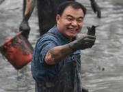 Phi thường - kỳ quặc - Độc đáo lễ hội bắt cá dưới bùn ở Trung Quốc