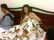 An ninh Xã hội - Thấy công an, khách mua dâm ôm quần tháo chạy