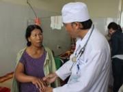 Tin tức trong ngày - Hàng loạt người nhập viện do bị rắn lục đuôi đỏ cắn