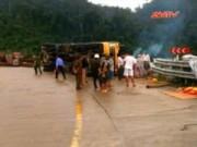 Video An ninh - Quảng Trị: Xe chở gỗ lật trên đèo Đá Đẽo, 2 người tử vong