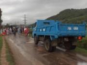 Video An ninh - Phú Yên: Dân chặn xe tải, đòi đối thoại với lãnh đạo