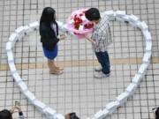 Tin tức trong ngày - Những màn cầu hôn siêu độc đáo ở Trung Quốc