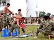 Tin tức trong ngày - Những màn biểu diễn thót tim của đặc công Việt Nam