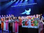 Tin tức trong ngày - Tưởng niệm nạn nhân TNGT: Cảnh tượng đầy ám ảnh