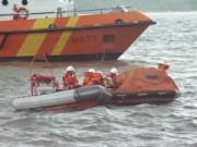 Tin tức trong ngày - Cứu hộ 7 thuyền viên đang trôi dạt trên biển
