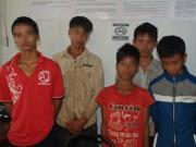 An ninh Xã hội - Bắt 6 thiếu niên say xỉn ném đá xe khách trên QL14