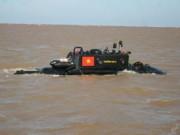 Bộ trưởng KH-CN dám lặn tàu ngầm của VN vì tin tưởng