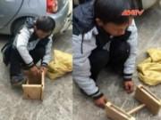 Video An ninh - Giấu ma tuy trong chân ghế gỗ hòng qua mặt công an