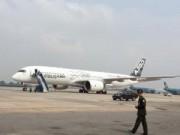 Tin tức trong ngày - Máy bay A350 XWB-900 lần đầu tiên trình diễn ở VN