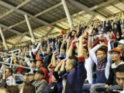 Bóng đá - Fan cổ vũ cuồng nhiệt ngày ĐT Việt Nam xuất trận