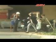 Video An ninh - Bất bình cô gái vô lễ với người lớn tuổi (Phần 1)