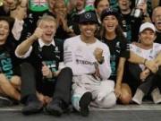 Thể thao - F1 - Abu Dhabi GP: Phía sau vạch đích (P1)