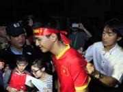 """Bóng đá - HLV Miura, Công Vinh """"mỏi tay"""" sau trận thắng Lào"""