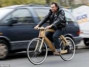 """Phi thường - kỳ quặc - """"Chơi trội"""" với chiếc xe đạp điện bằng gỗ"""