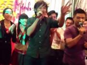 """Ca nhạc - MTV - Clip Hoài Linh hát đám cưới """"gây sốt"""" trở lại"""
