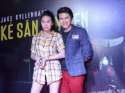 Phim - Phi Thanh Vân diện mốt không quần đi xem phim cùng trai lạ
